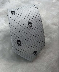 CRHQ-67 Grey slim tie SKULL prints