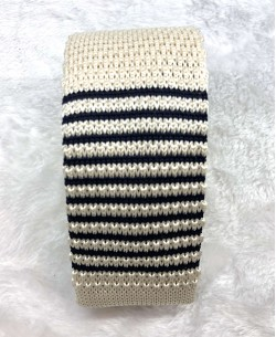 CR-03A Beige/dark blue knitted tie