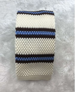CR-05A Vanilla knitted tie