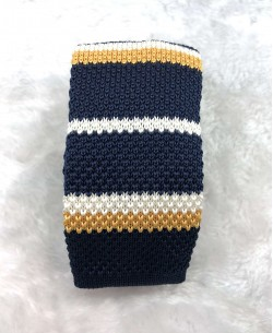CR-09A Dark blue knitted tie
